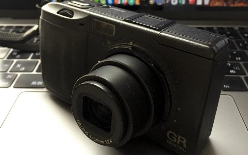 RICHO GRに、SIGMA BP-41のバッテリーを代替バッテリーとして利用する